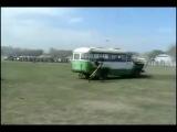 убил палкой автобус=) я ржал 3 часа |www.kinoreal.net - Онлайн кино России|